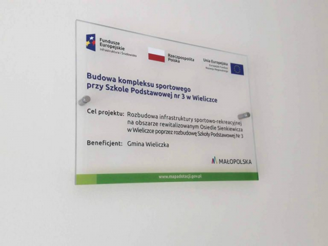 producent tablice unijne pamiątkowe